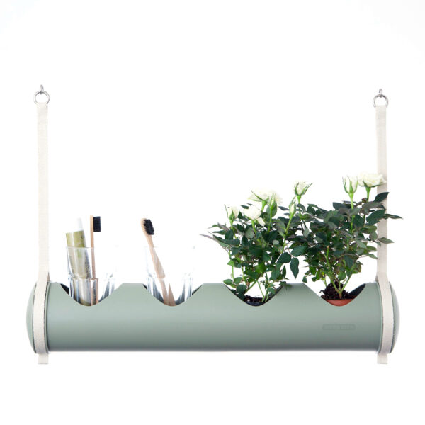 herbster tube green bathroom and white roses